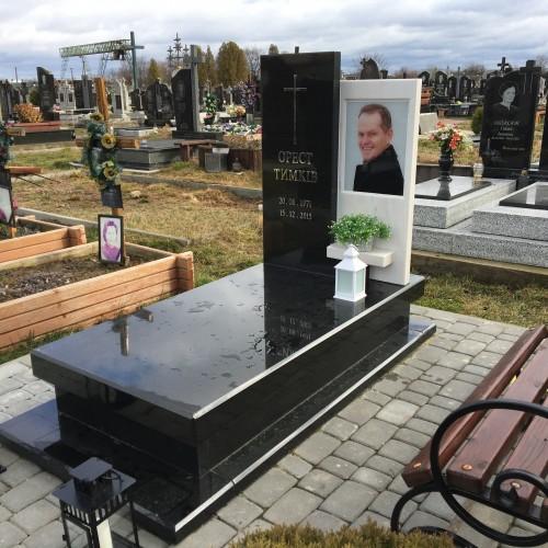 Одинарний пам'ятник у Брошнів Осаді #8