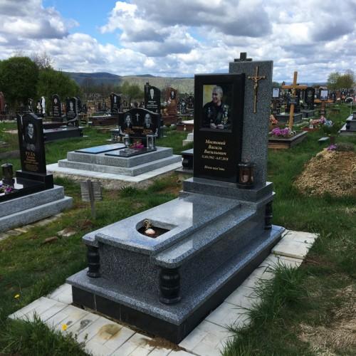 Пам'ятники одинарні у Долині #81