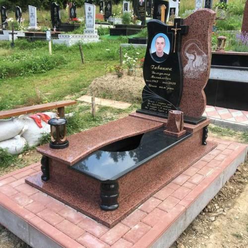 Пам'ятники одинарні у Калуші #92