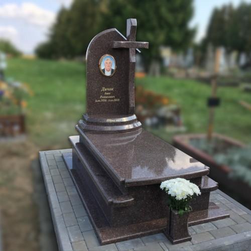 Пам'ятники одинарні у Рогатині #94