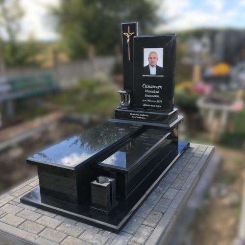 Пам'ятники одинарні у Івано-Франківську #95