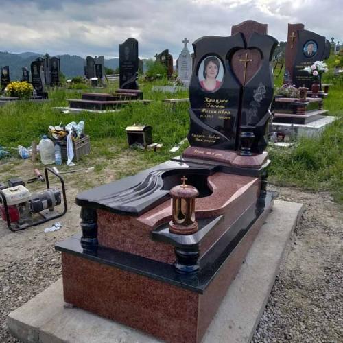 Пам'ятники одинарні у Надвірній #61