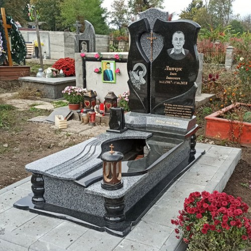 Пам'ятники одинарні у Снятині  #71