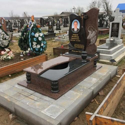 Пам'ятники одинарні у Мостище #66