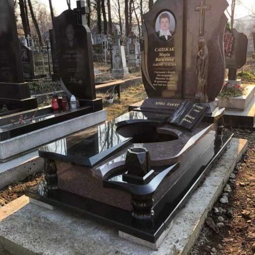 Пам'ятники одинарні  у Коломиї #65