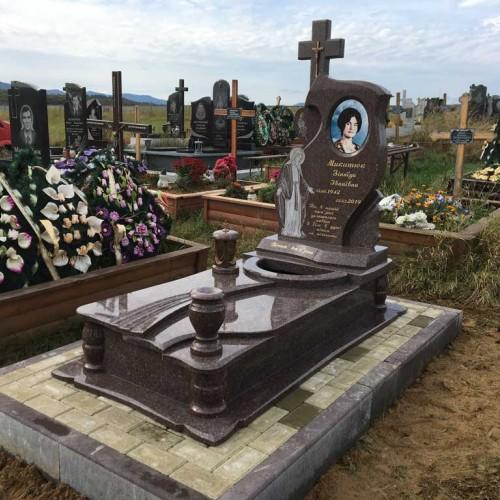 Пам'ятники одинарні у Надвірній #68