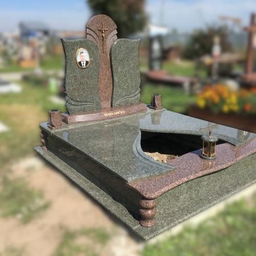 Пам'ятники двійні у Івано-Франківську #36